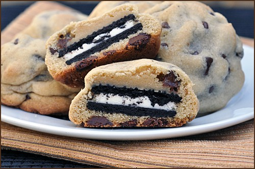 Oreo_Stuffed_Chocolate_Chip_Cookies_blog