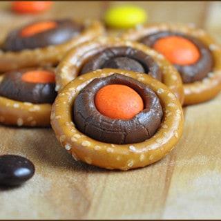 Halloween Pretzel Rings