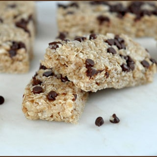 Chewy Chocolate Chip Granola Bars | Very Culinary