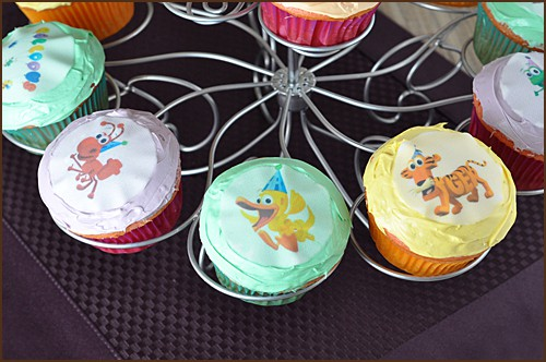 How to Host a Word World Birthday Party, cupcakes | Very Culinary