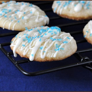 Hanukkah-Coconut-Macaroons_blog
