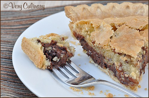 Chocolate Chip Cookie Pie from Very Culinary