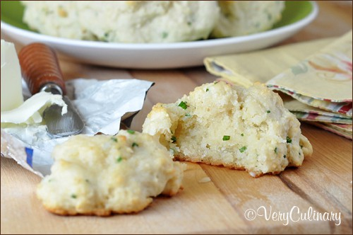 Drop Buttermilk Biscuits with Chives | Very Culinary