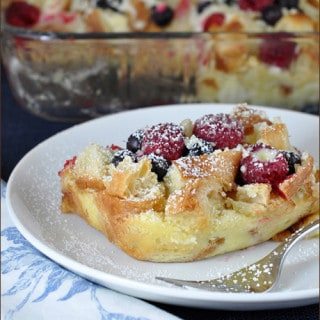 Blueberry and Raspberry Croissant Puff | Very Culinary