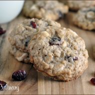 Oatmeal Craisin Cookies with White Chocolate and Coconut | Very Culinary