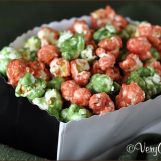 Christmas Caramel Popcorn | Very Culinary