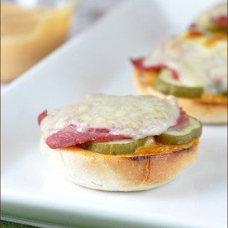 Reuben Mini Bagels from Very Culinary
