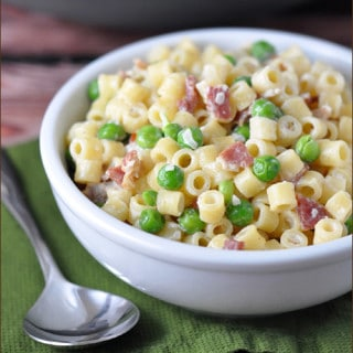 Creamy Pasta with Bacon and Peas on www.bellyfull.net