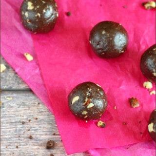 Kahlua-Hazelnut Chocolate Truffles