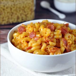 Pizza Macaroni and Cheese on www.bellyfull.net