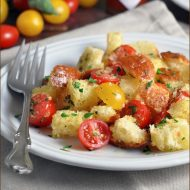 Bread and Tomato Salad #Panzanella
