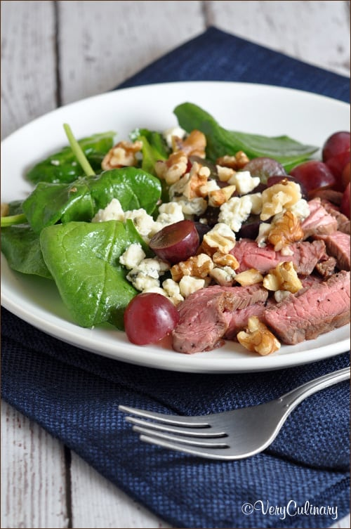 Steak Salad with Grapes, Walnuts, and Blue Cheese