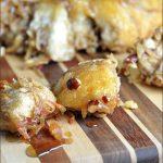 Easy Apple-Cinnamon Pull-Apart Bread #pullapartbread #apples #fallbaking