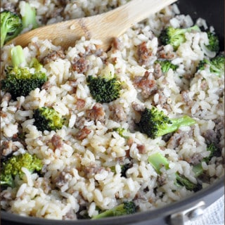 {One Pot} Baked Rice with Sausage and Broccoli #onepot #skillet #recipe