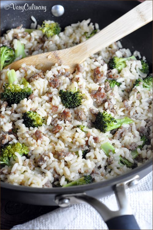 {One Pot} Baked Rice with Sausage and Broccoli