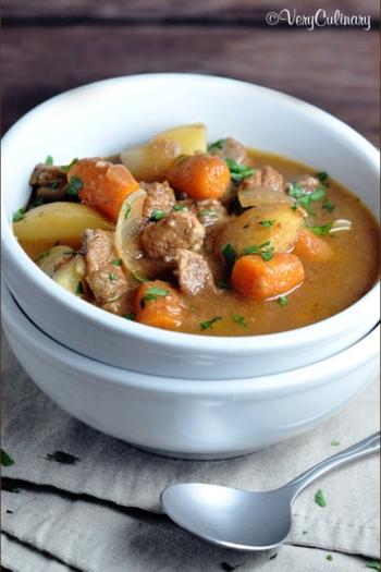 Slow Cooker Beef Stew #beefstew #slowcooker #crockpot #recipe #V8VegOut