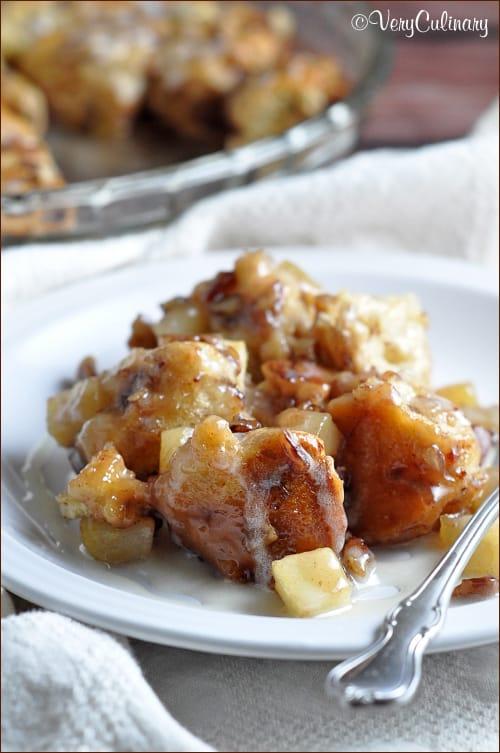Ooey gooey cinnamon rolls with apples and pecans!