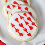 Decorated garland heart iced sugar cookies for Valentine's Day.