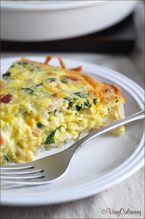 Regular quiche gets a major facelift with a crispy hash brown crust, bacon, and kale. Perfect for breakfast, brunch, or even dinner! #ad #ChoppedAtHome