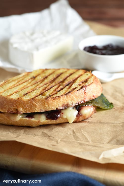 Smoky poblano peppers are balanced out with sweet cherry preserves and buttery brie cheese to create an absolute flavor explosion in this easy 5-ingredient sandwich!