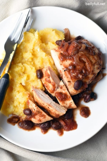 This Slow Cooker Tomato-Balsamic Chicken is a super easy and crazy delicious chicken dish, using a few pantry staples and your slow cooker. Only 10 minutes of prep needed!