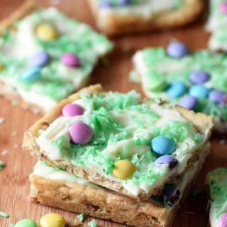 Easter Sugar Cookie Bars - only 5 ingredients in this easy and fantastic dessert perfect for spring or Easter!