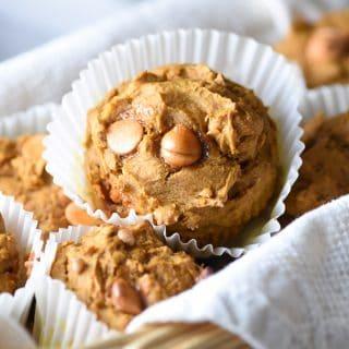 4-Ingredient Pumpkin Spice Muffins