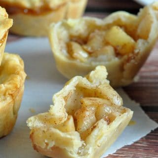 Easy Mini Peach Pies