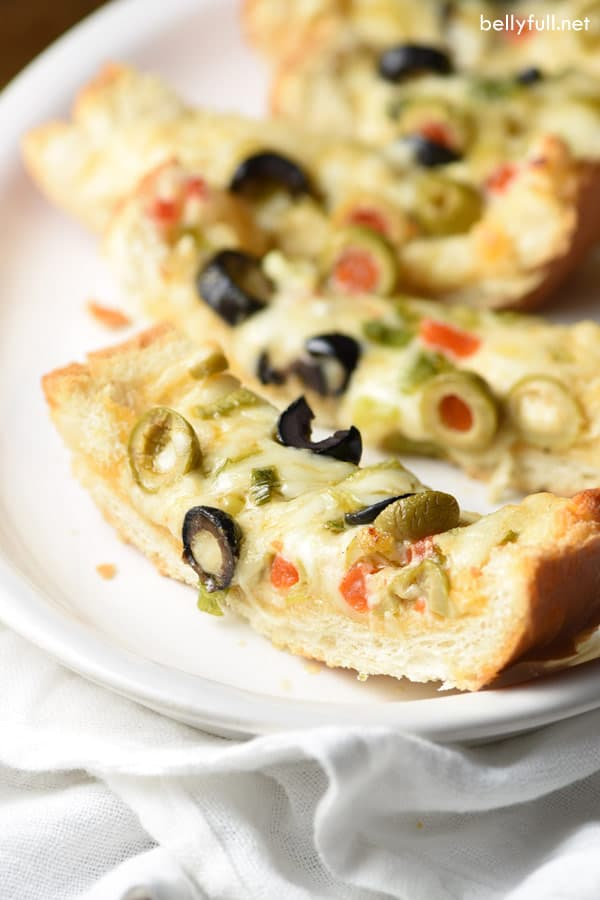 olive cheese bread slice