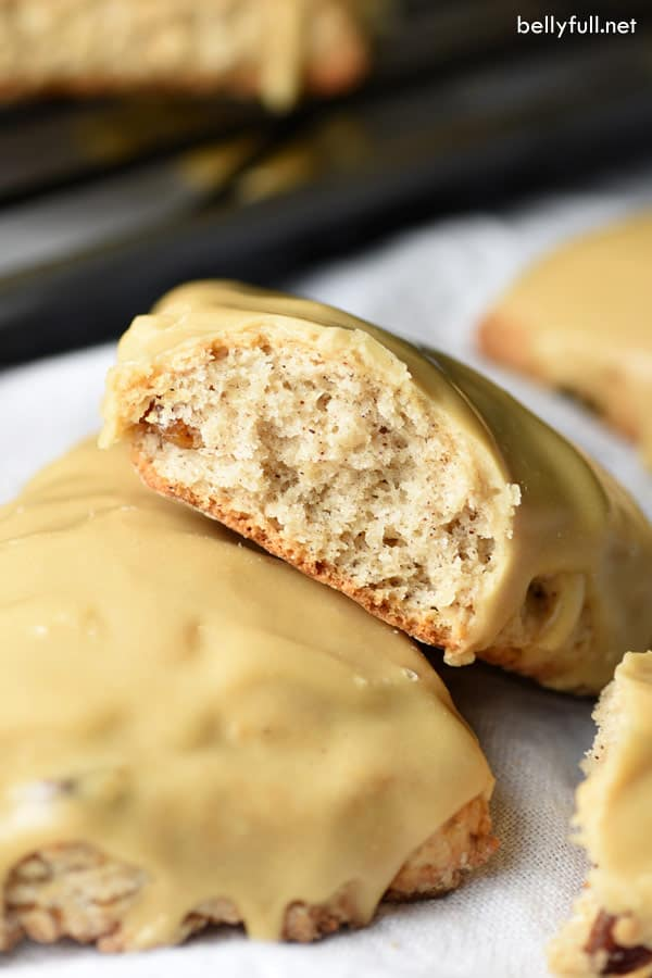 gingerbread scones with glaze