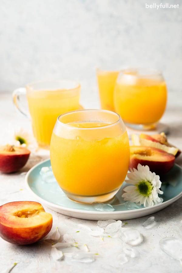 Sparkling Peach Lemonade Cooler