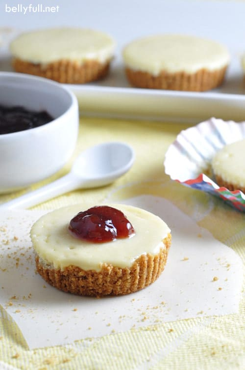 Mini Cheesecakes with a dollop of jam
