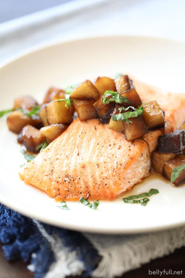 cooked salmon with sauteed apples