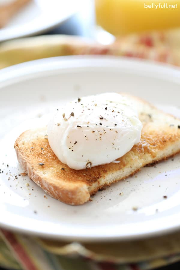 poached eggs on slice of toast