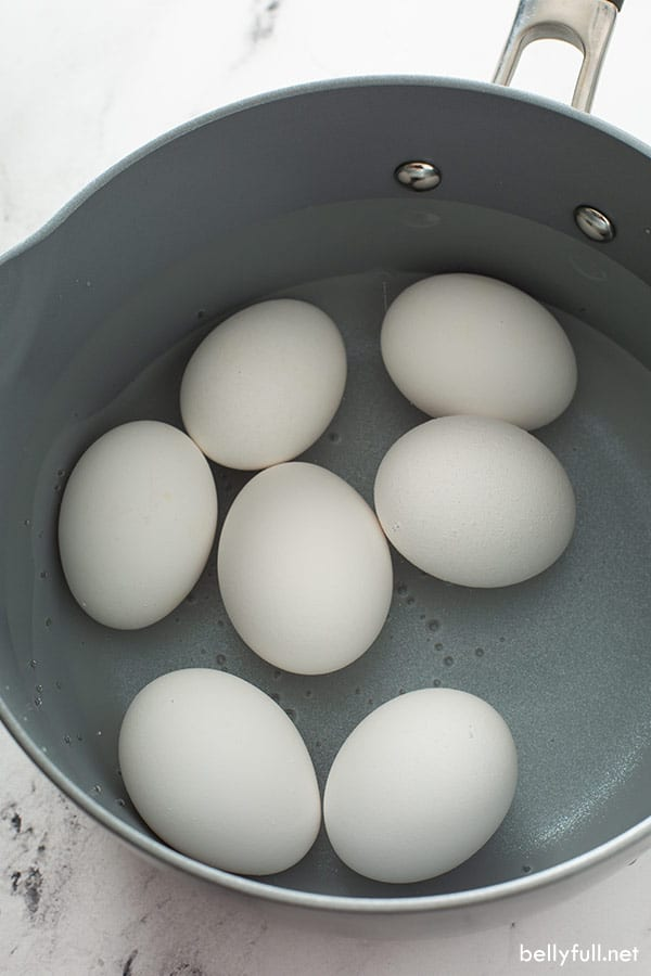 7 large eggs in pot of water