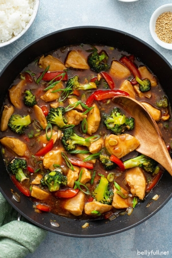 chicken and vegetable stir fry in skillet