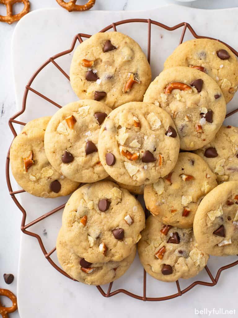 overhead pile of kitchen sink cookies
