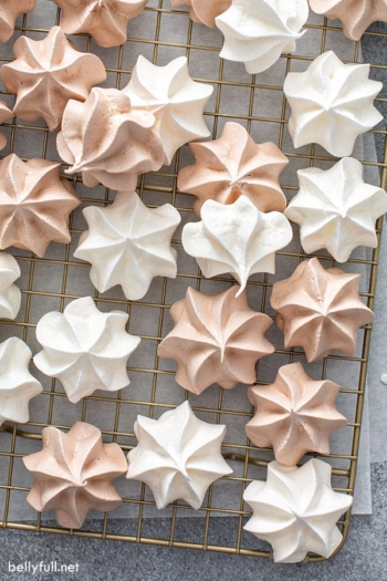 overhead vanilla and chocolate meringue cookies on wire rack